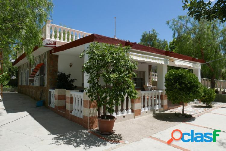Chalet en Venta en Montroy, Valencia