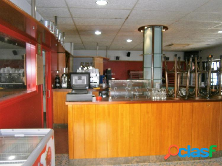 En Balsareny a 20 minutos de Manresa. Bar i restaurante de