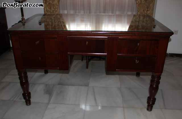 Mesa de escritorio de caoba. estilo ingles