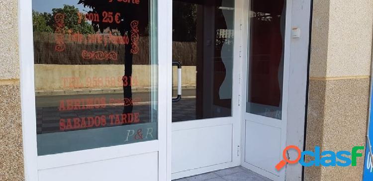 Oportunidad de local comercial en el centro de Cullar Vega!