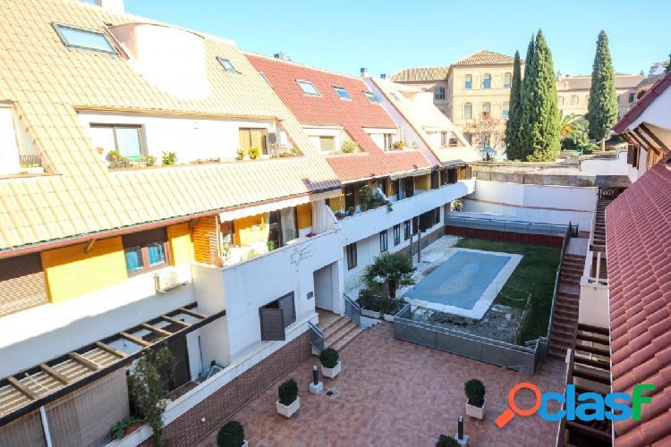 Precioso dúplex en urbanización privada con piscina