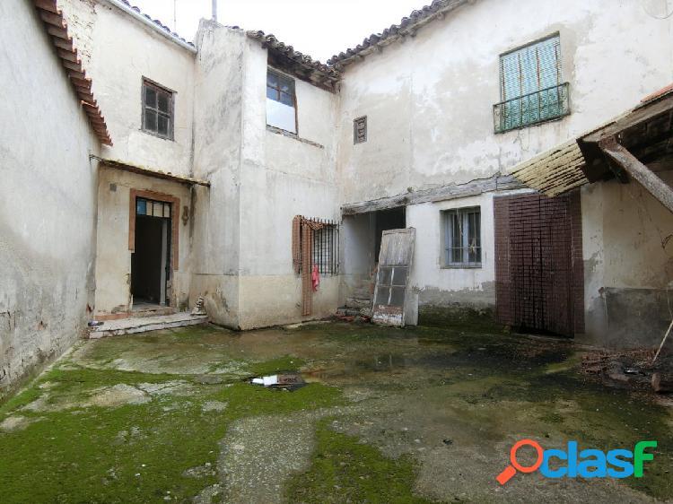 Se vende casa de pueblo en Colmenar de la Oreja, 336m2