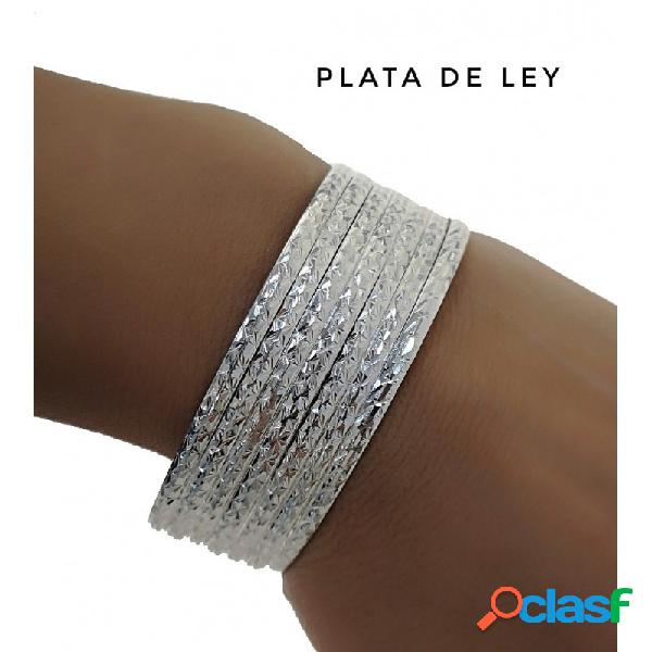 Semanario con pulseras de plata de ley talladas 3 mm. y 70