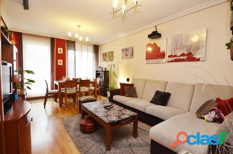 Urbis te ofrece un piso en venta en Huerta Otea.