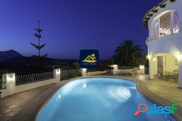 Villa en JAVEA con vistas al Montgó y MAR en CANSALADES |