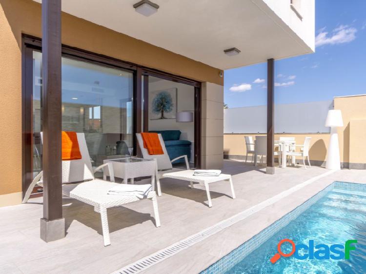 Villas independientes con piscina privada en San Pedro del
