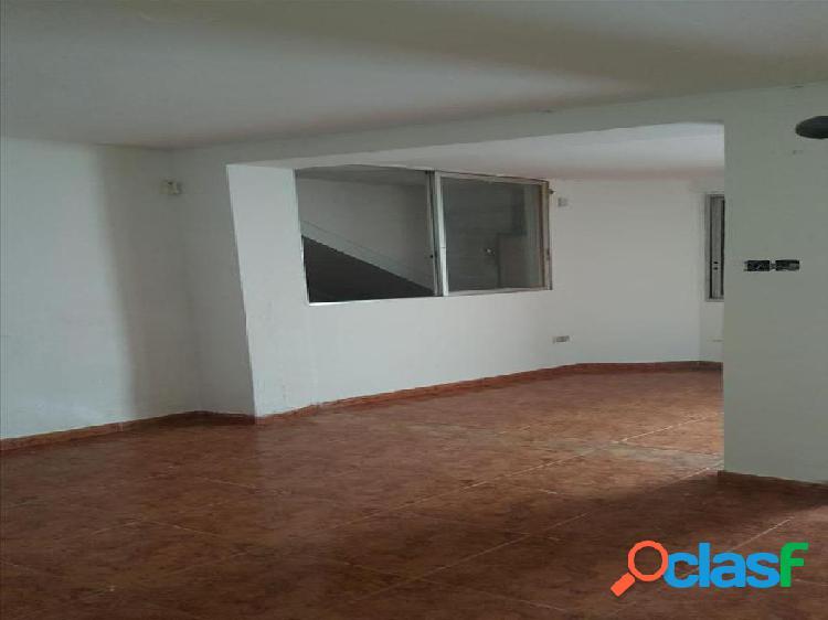 Casa en venta en Mont-roig del Camp, Tarragona en Calle