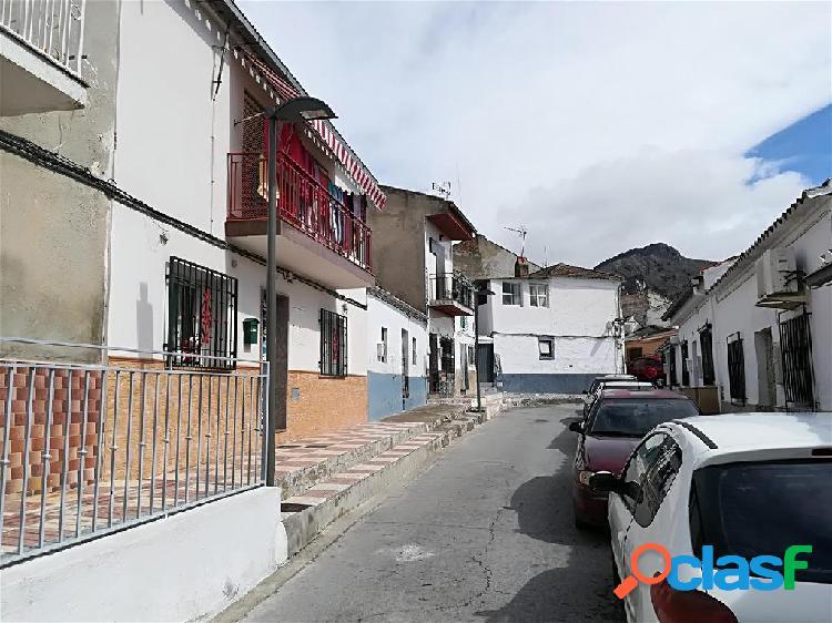 Casa en venta en Pinos Puente, Granada en Calle Sta. Eugenia