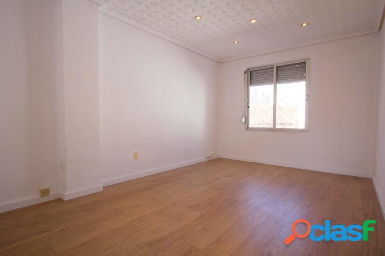 Luminoso piso en alquiler en Patraix.