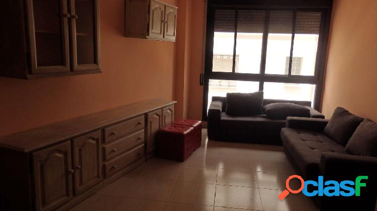 Piso de 80 m2 con 3 habitaciones, 2 baños y plaza de