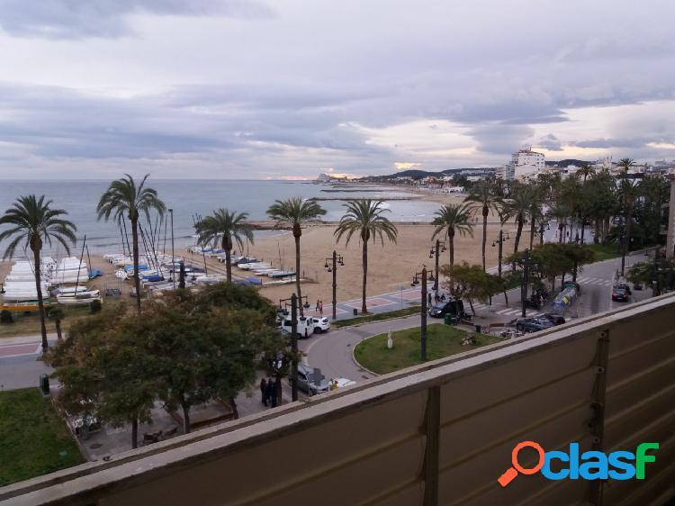 Piso en primera linea de mar en el centro de Sitges