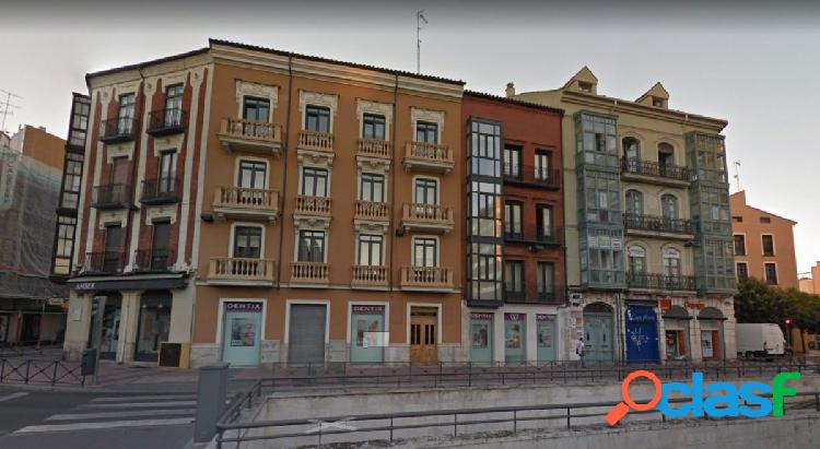 Plaza de Garaje junto a Plaza España