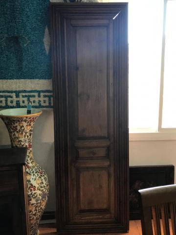 Vendo, extraordinaria puerta de madera maciza. precio por