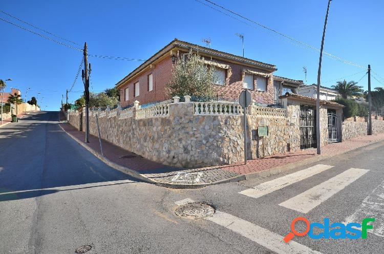 Villa de estilo mediterraneo en Los balcones