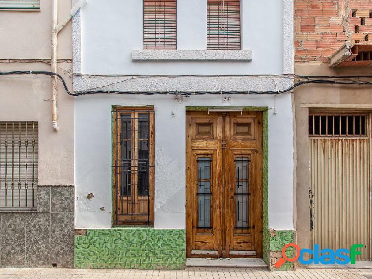 Casa en venta de 100 m2 en Calle Mariano Benlliure 24, 46470