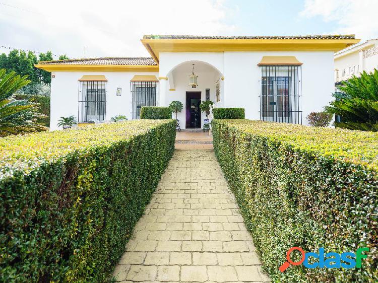 Casa en venta de 159 m2 en Calle Los Remedios, 41907