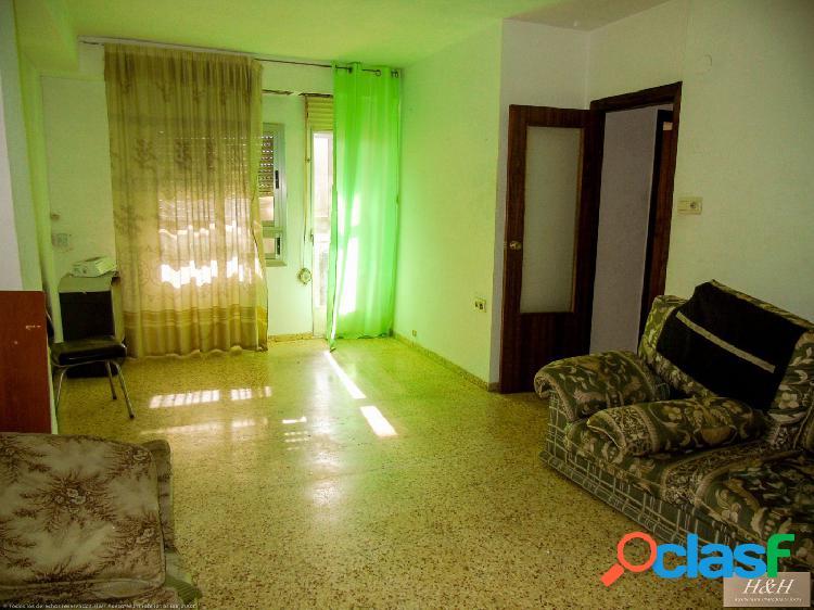 Se vende piso de origen en Zona Godella. / HH Asesores,