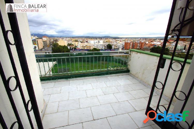 Sobreático de 70m2 con terraza en planta en calle Aragón.