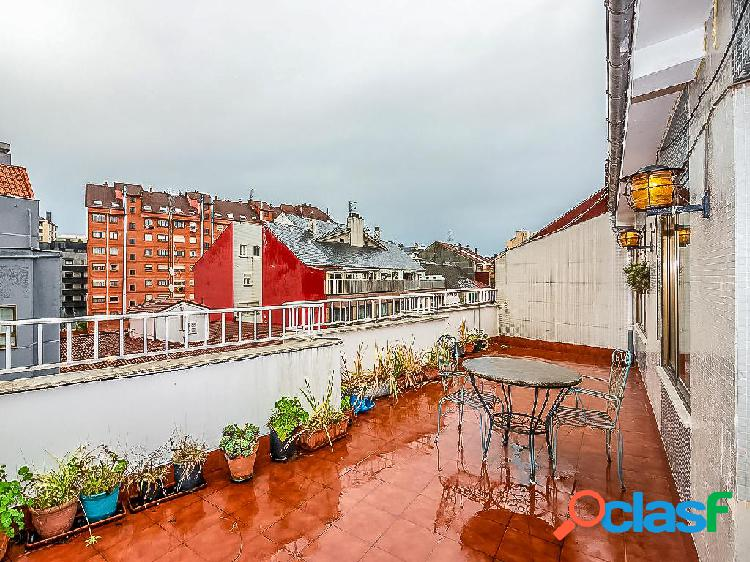 Ático en venta de 95m² en Calle Quirinal 15, 33401 Avilés