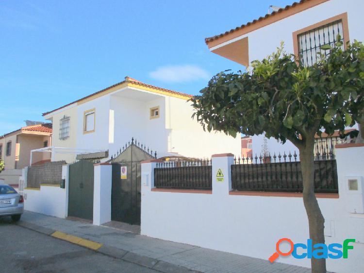 ALJARAFE (Albaida). Casa unifamiliar de dos plantas. 162 m2