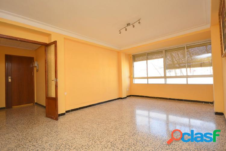 Espectacular piso zona Coll d´en Rabassa
