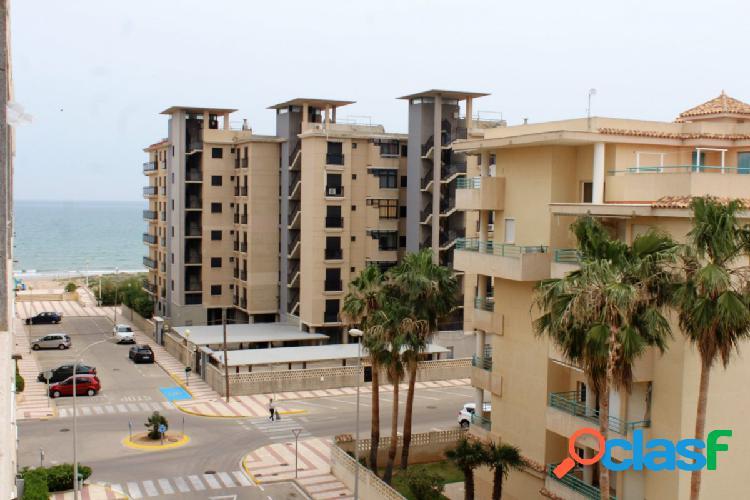 Precioso apartamento con vistas al situado en 3ª linea de