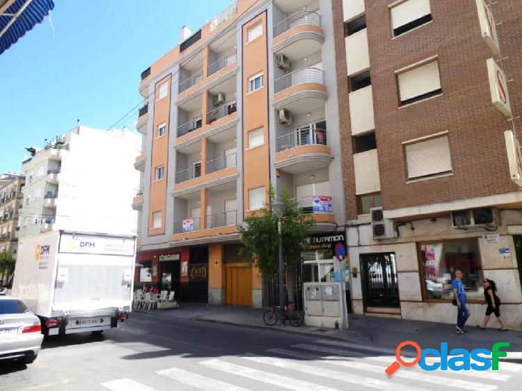Se vende piso nuevo en el centro de Torrevieja