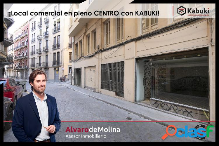 Estupendo local comercial en pleno centro de Granada,