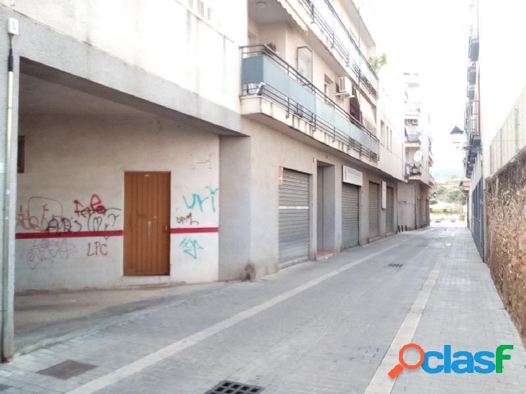 PLAZA DE PARKING EN VENTA O ALQUILER EN EL VENDRELL CENTRO -