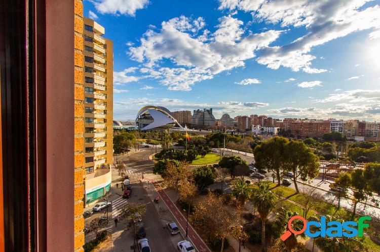 """Vivir en el Paseo de la Alameda con vistas a la """"Ciudad de"""