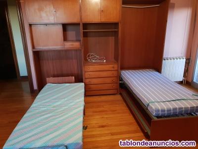 Mueble con dos camas plegables