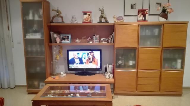 Vendo Conjunto muebles comedor en buen estado, color cerezo