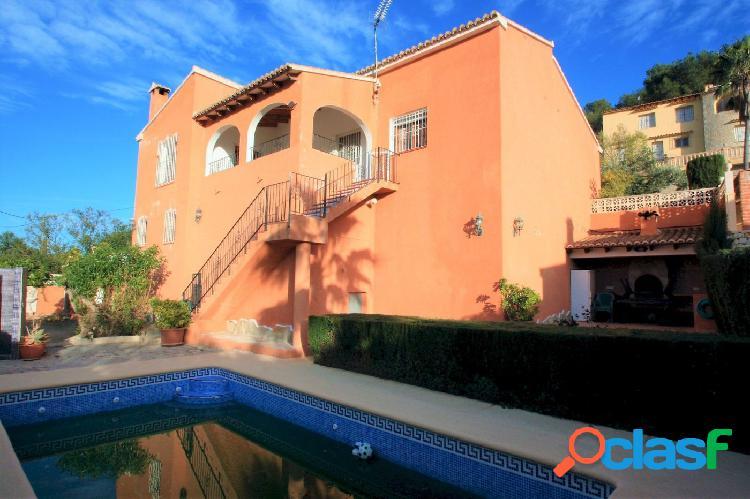 Bonita villa de estilo mediterráneo en Benissa con vistas