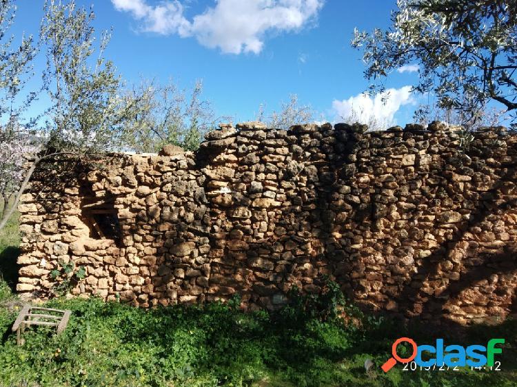 En Padules Almeria Constrúyase una casa de campo en un