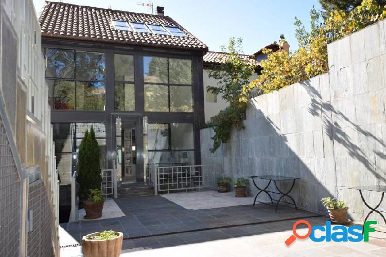 Espectacular vivienda unifamiliar de diseño en San Lorenzo