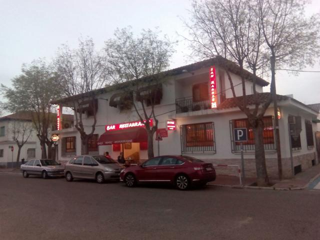 Se vende hostal - restaurante