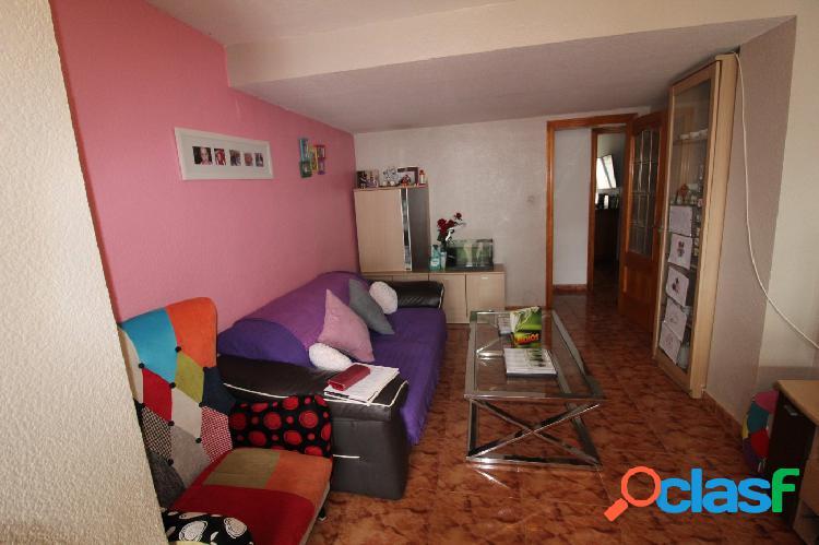 Se vende piso en calle Maderas de 3 habitaciones y 1 baño