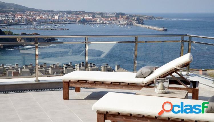 Bonito piso con gran terraza y vistas al mar
