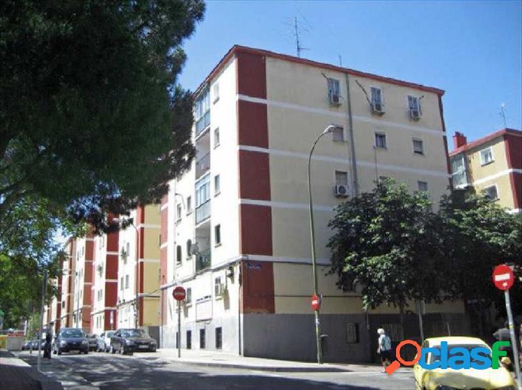 Piso en Madrid zona Pueblo nuevo