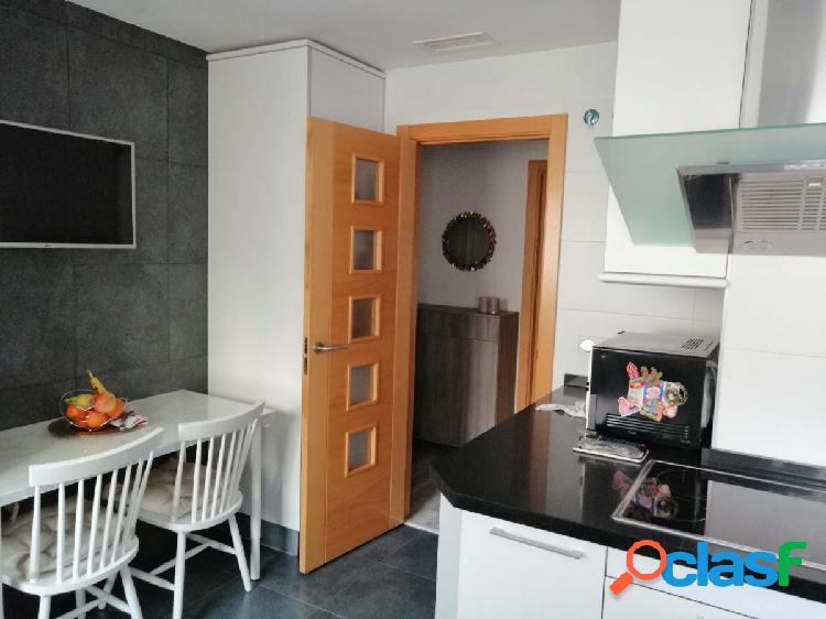 Precioso piso de 2 habitaciones en Isabel Manoja