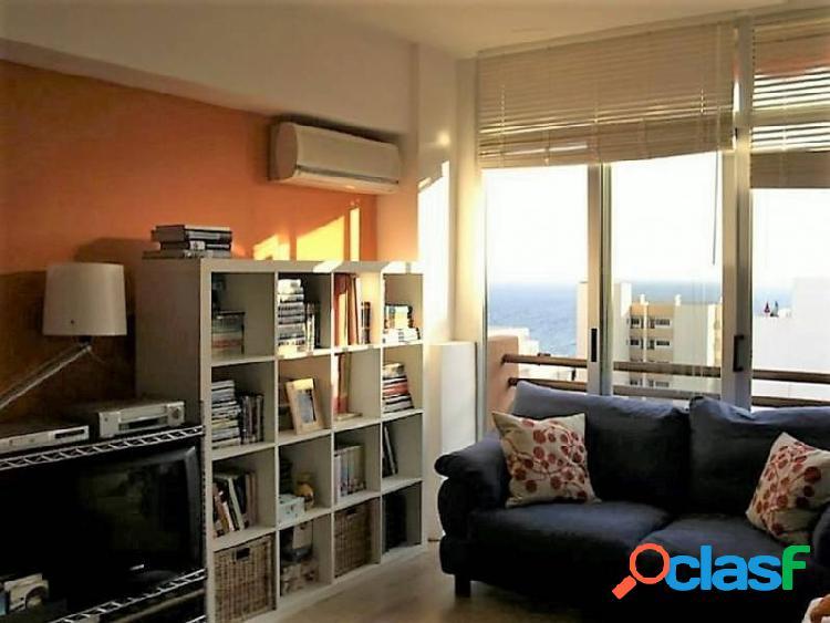 Apartamento a un paso de la playa Arenal.