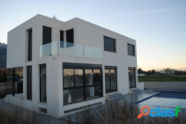 Chalet nueva construcción de estilo moderno