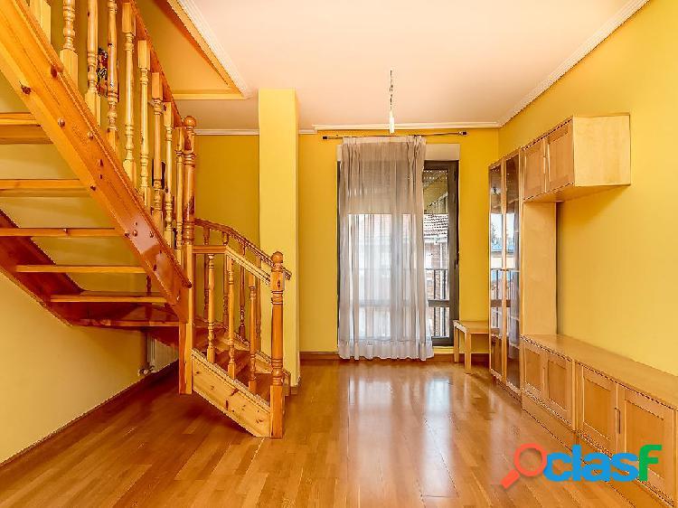 Dúplex en venta de 116 m² en Calle Guadalquivir, 24191 San