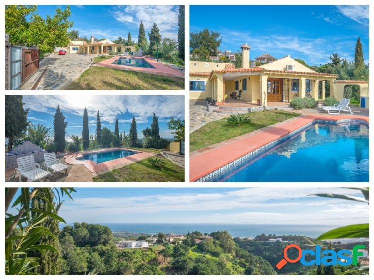 Esta villa unifamiliar de estilo andaluz está ubicada en