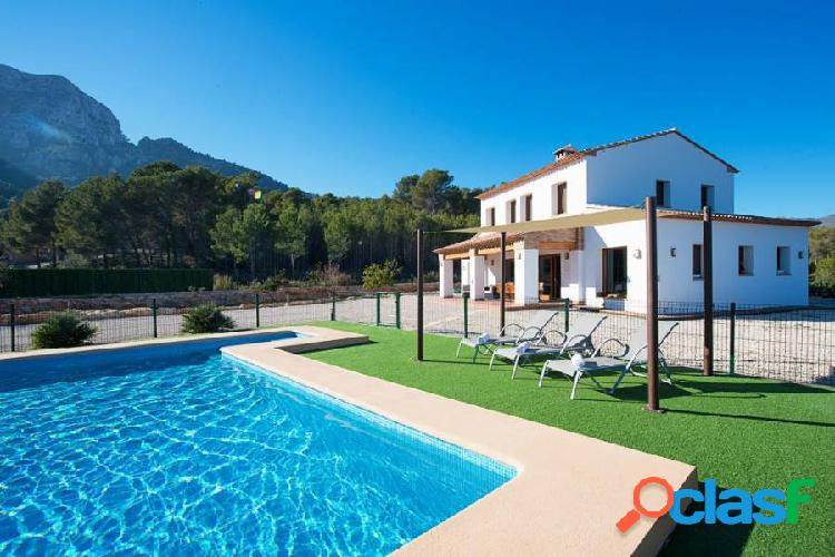 Excepcional Villa con piscina privada situada en Calpe