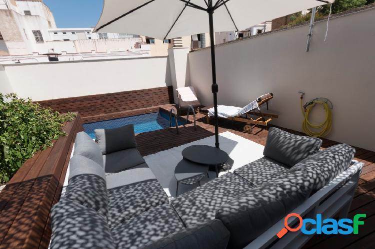 Exclusiva e íntima casa de diseño con piscina en el