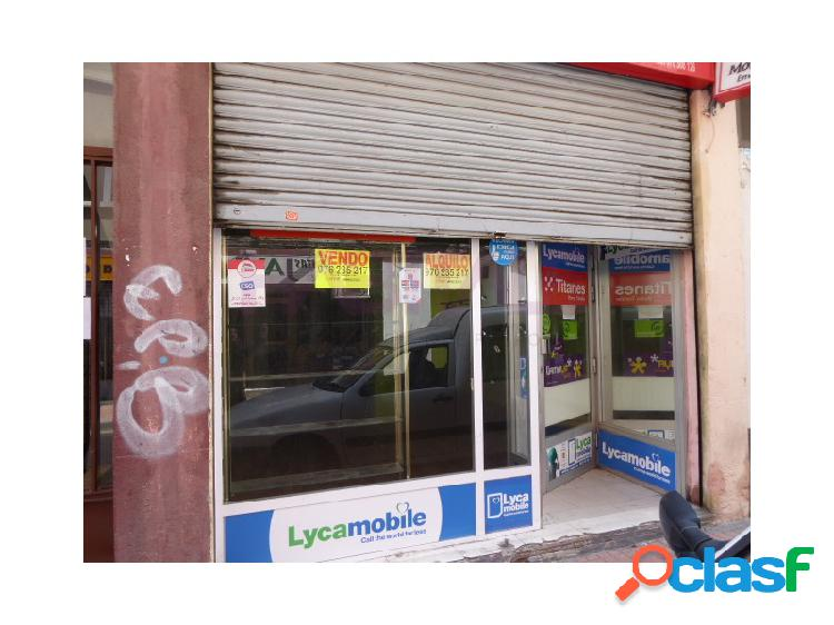 Local en el barrio de Casablanca, Calle La via, la mas