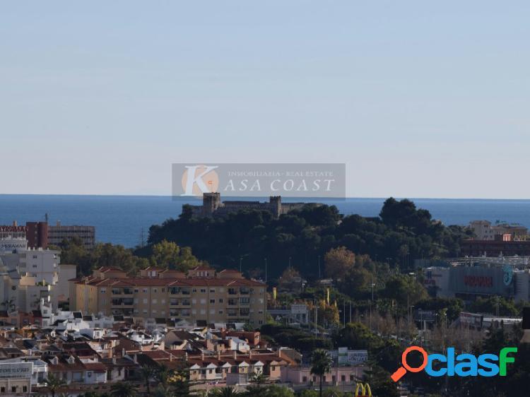 Piso en venta con espectaculares vistas de toda Fuengirola y