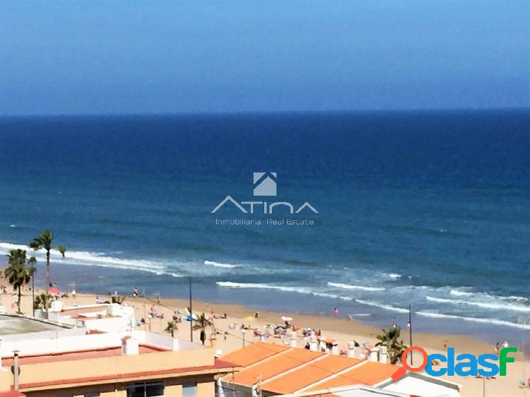 Precioso apartamento con maravillosas vistas al mar situado