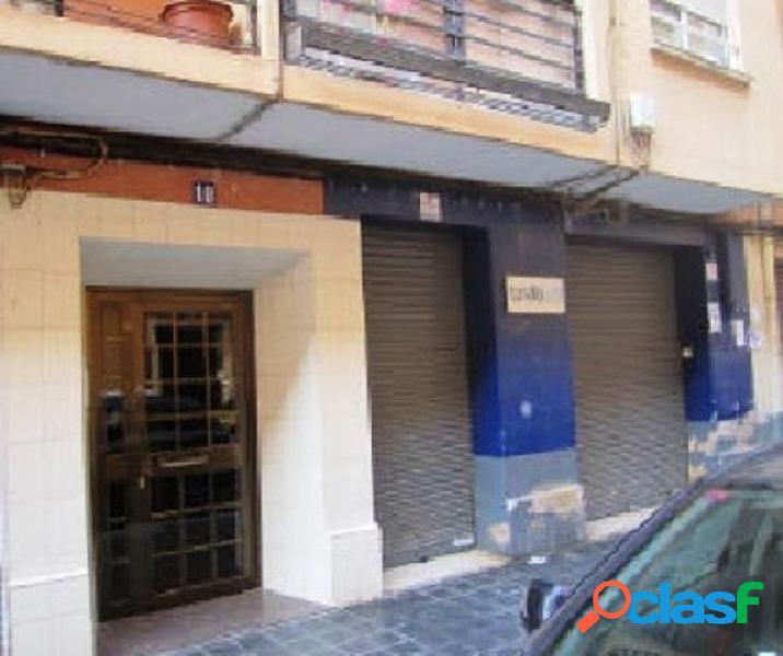 Local comercial con 3 salas cerca del centro de Valencia